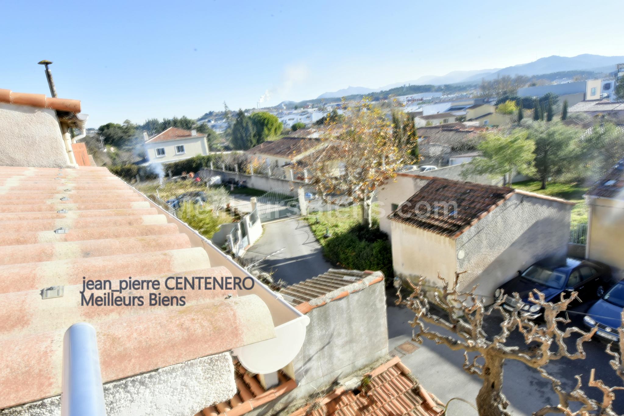 Vente 13170 Les Pennes Mirabeau Maison De Village T2 De 46m En Triplex Avec Terrasse Proche Zone Plan Meilleurs Biens
